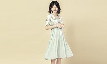 武汉淘宝拍摄公司怎么才能拍好长裙商品照?